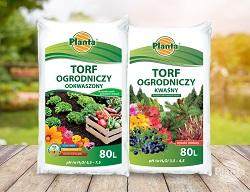 Torf wykorzystywany w ogrodnictwie może być kwaśny lub odkwaszony.