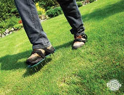 Sandały aeracyjne są przydatne w małych ogrodach